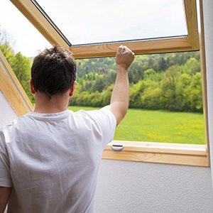 Product picture: man opening a window